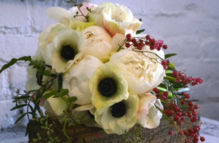 romantic wedding flowers Poppy bridal bouquet poppies posies ivory red black