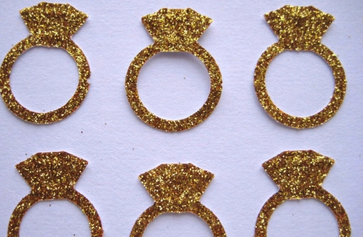 Glittery Gold Wedding Finds for Glam Handmade Weddings props