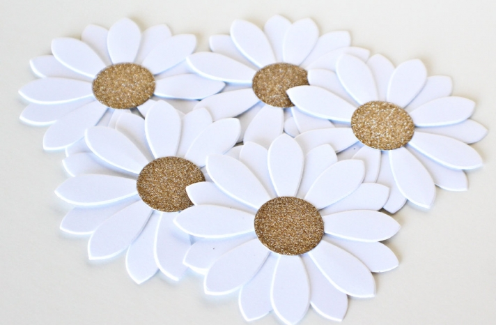 Glittery Gold Wedding Finds for Glam Handmade Weddings paper flowers