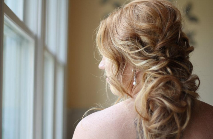 Romantic Bridal Updos soft waves wedding hairstyles2
