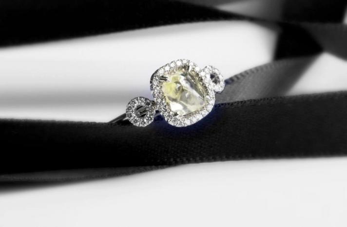 Elegant Engagement Ring Rough Diamond Center Stone