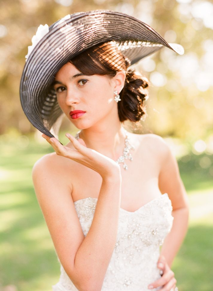 Bright Lips for Brides Vintage Outdoor Wedding Shoot 2