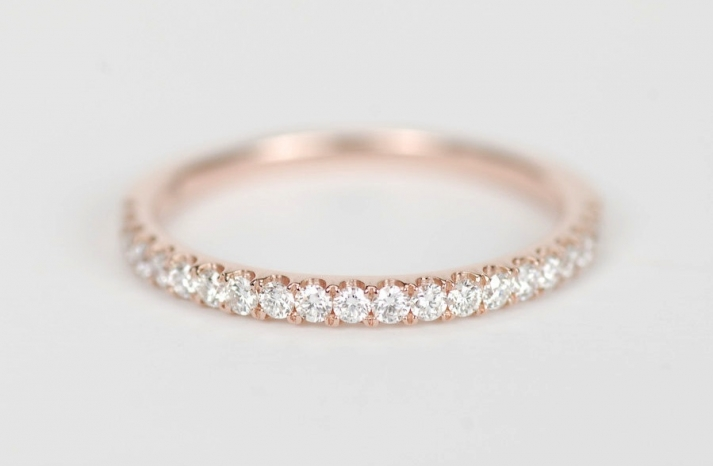 I Know You Re Already Looking For A Dazzling Wedding Band To Match Your Sparkly New Engagement Ring Start Scrolling See 21 Rose Gold Bands Adore