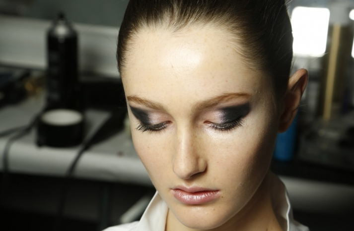 Wedding Makeup Inspiration Michael Kors Charcoal Peach Eye Shadow