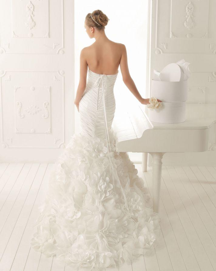 Aire Barcelona Wedding Dress 2013 Vintage Bridal Collection Verano