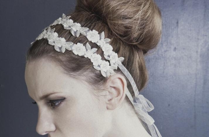 Delicate daisy floral headband
