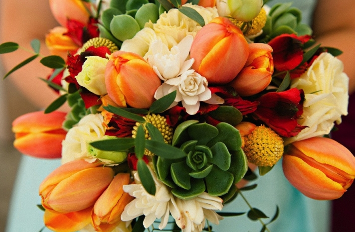 Unique wedding bouquet for destination i dos
