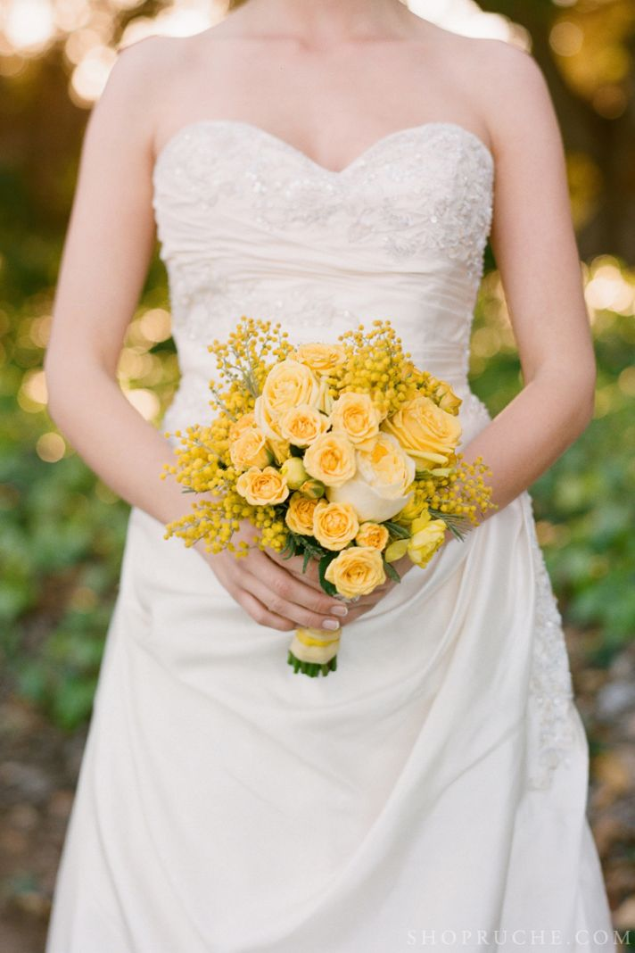 Yellow bridal bouquet for spring