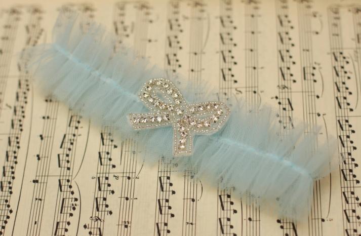 Something blue for budget brides 14