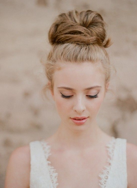 Top Knot Romantic Wedding Hairstyle 3