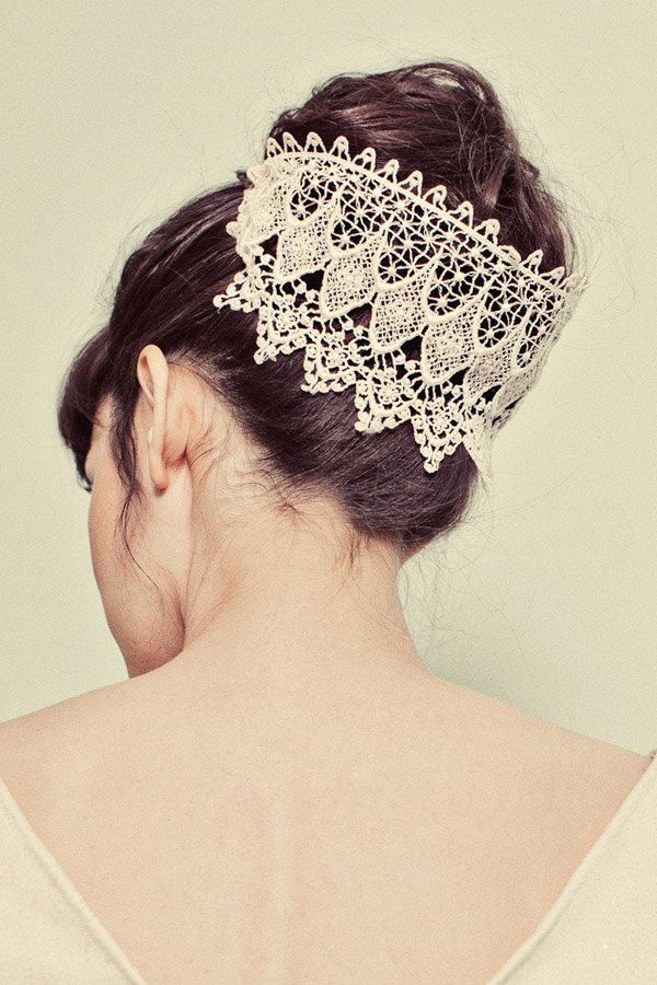 Top Knot Romantic Wedding Hairstyle 8