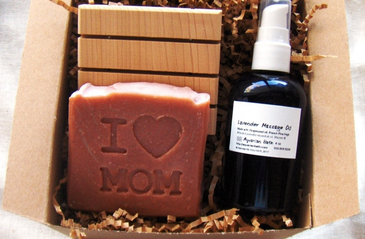 I Heart Mom mothers day pampering gift