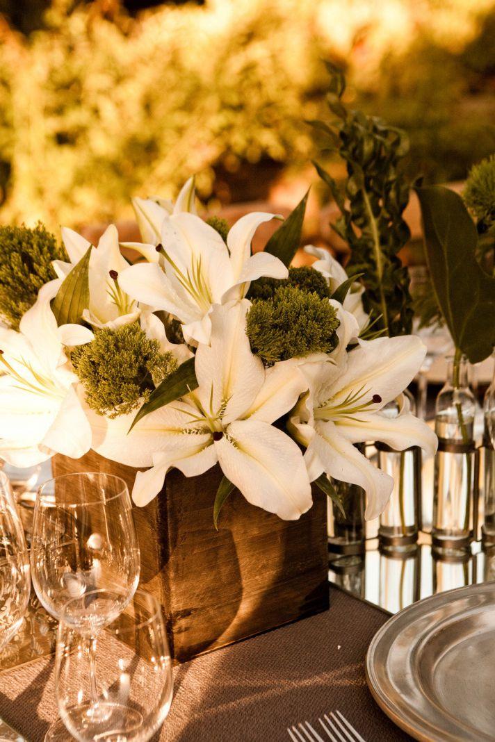 summer wedding flowers guide Asiatic Lily elegant centerpiece