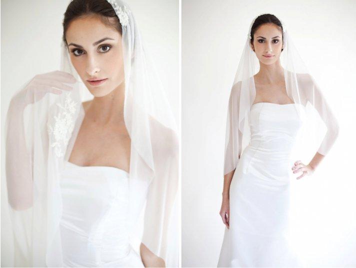 Tulle mantilla bridal veil with lace applique