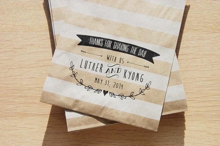 Striped kraft paper wedding favor bags