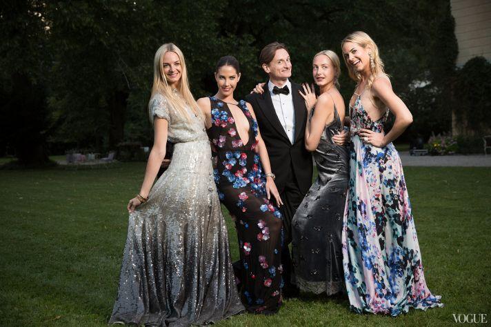 Stylish wedding guests at Chanel ambassador Caroline Siebers wedding