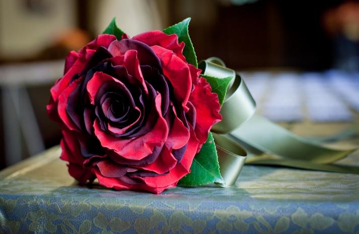 red rose glamelia wedding bouquet