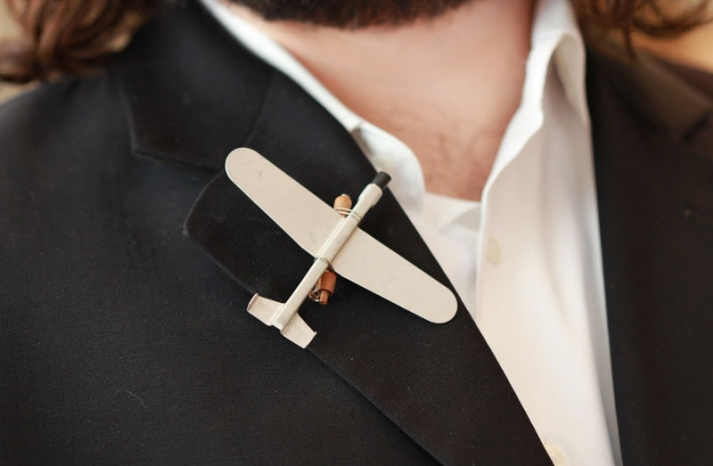 Unique groom boutonnieres by The Ritzy Rose 6