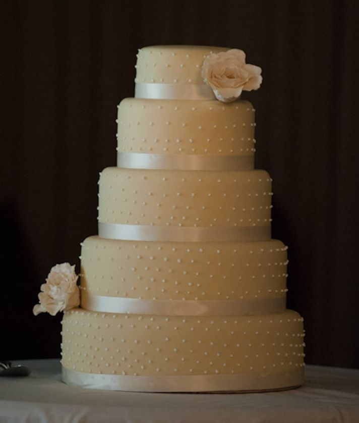 Ivory wedding cake