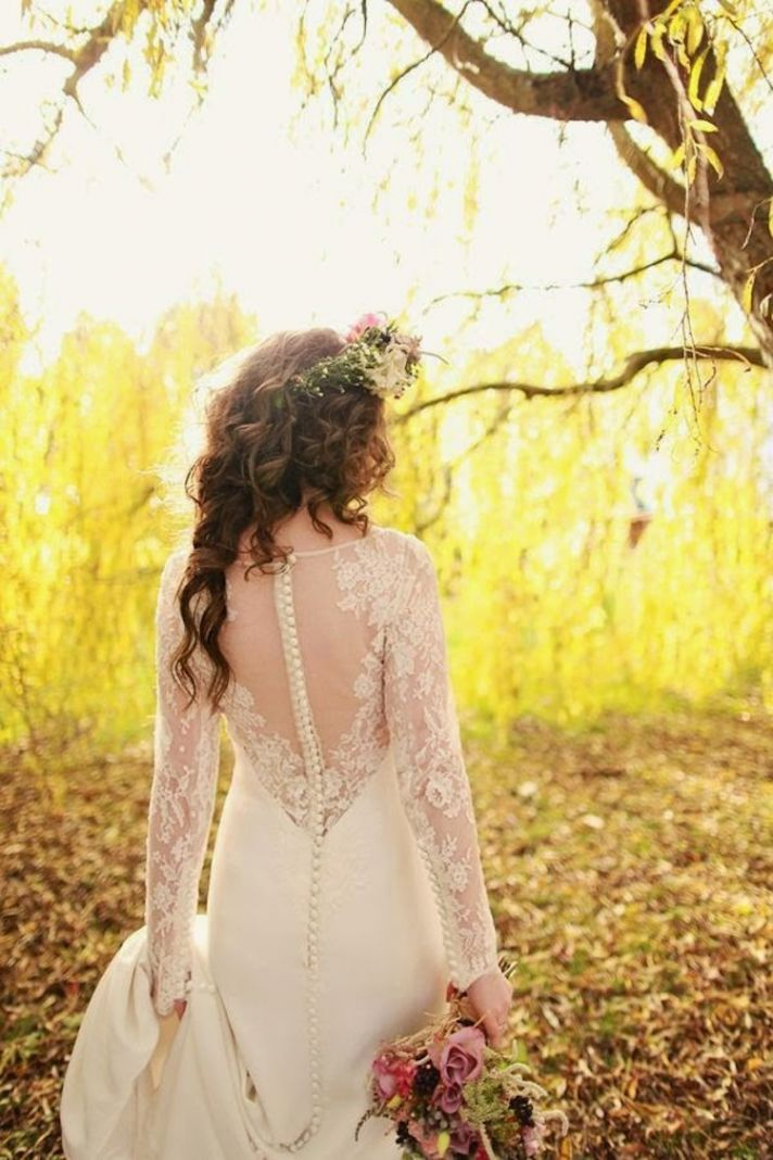 Bride style by Kathy de Stafford via Bride Chic