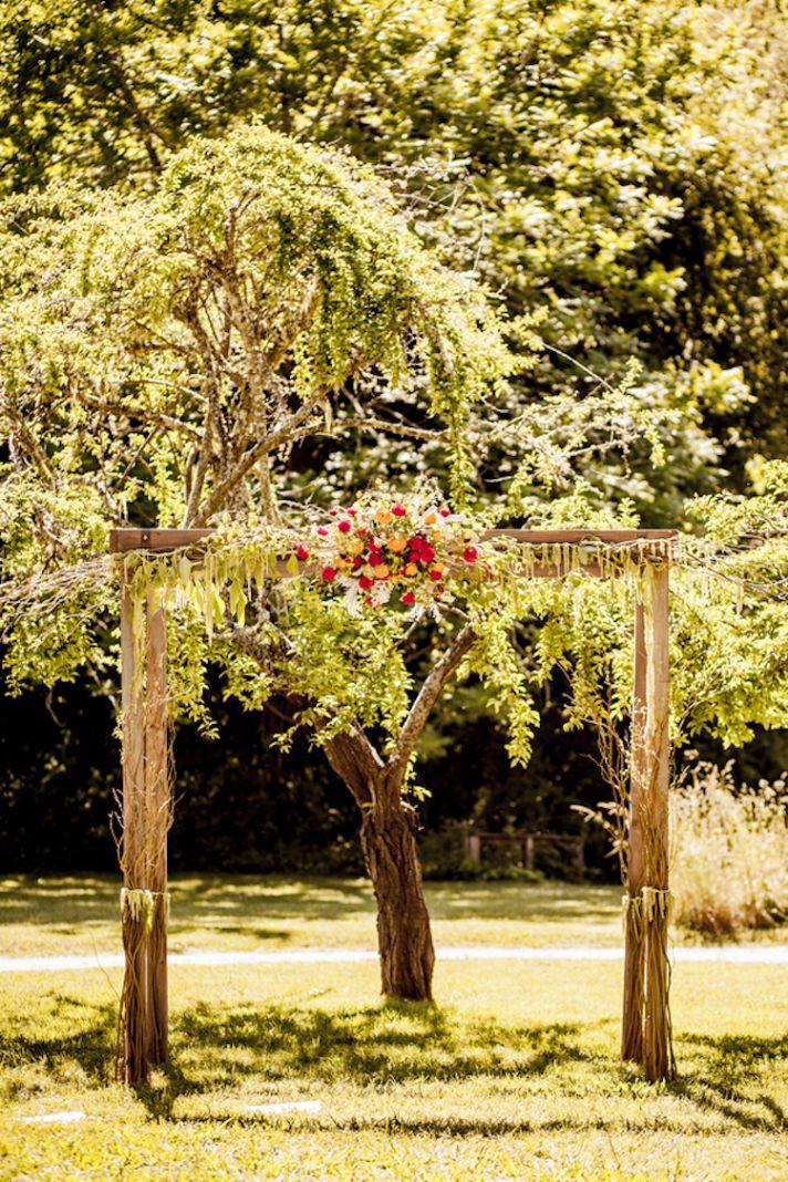 Moss altar for a hipster garden wedding