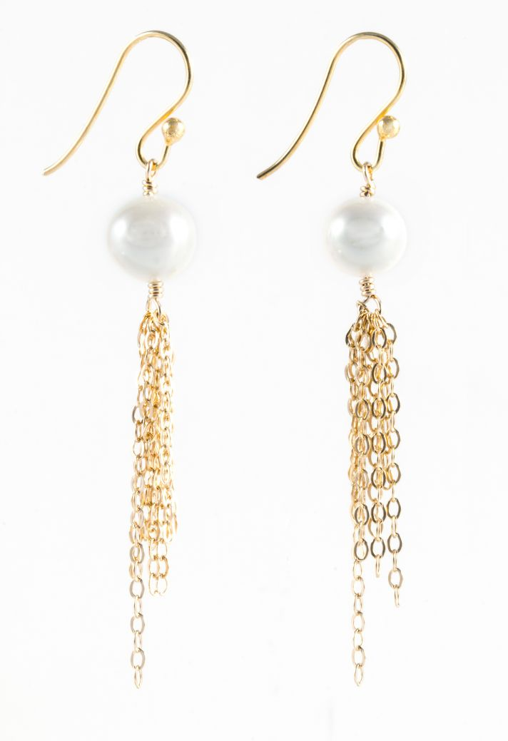 Pearl and gold link earrings