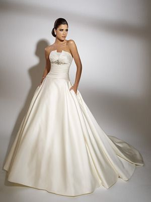 Jacquelin Exclusive Wedding Dress Style 19862 Dress Onewed